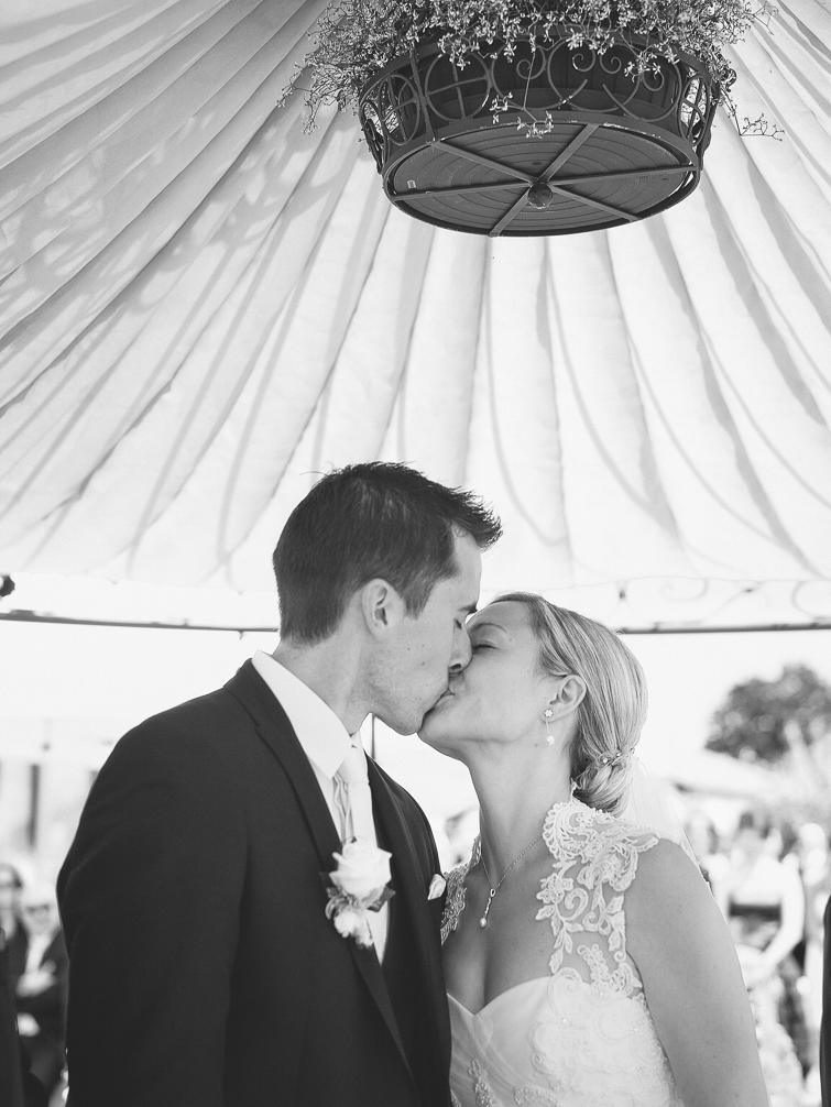 Erster Kuss Hochzeit