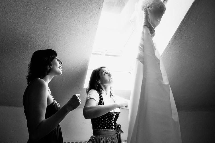 wunderschönes Hochzeitsfoto, Hochzeitsfoto Burgenland, Hochzeitsfoto Güssing, Fine Art Hochzeitsfoto, künstlerisches Hochzeitsfoto, stilvolles Hochzeitsfoto, echtes Schwarz Weiß