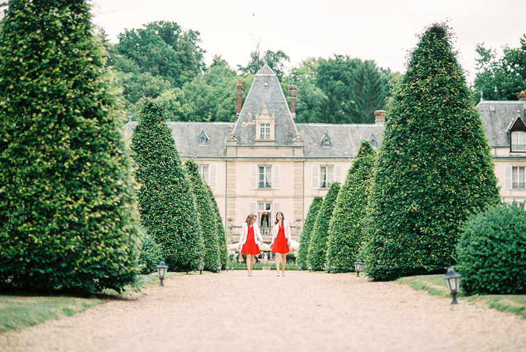 Bridesmaides_hochzeitsfoto_fineart_kreativ_außergewoehnlich_stilvoll_kuenstlerisch_originell_ideen_inspiration_romantisch_bewegend_destination wedding_paris_chateau wedding_hochzeitsfotograf wien