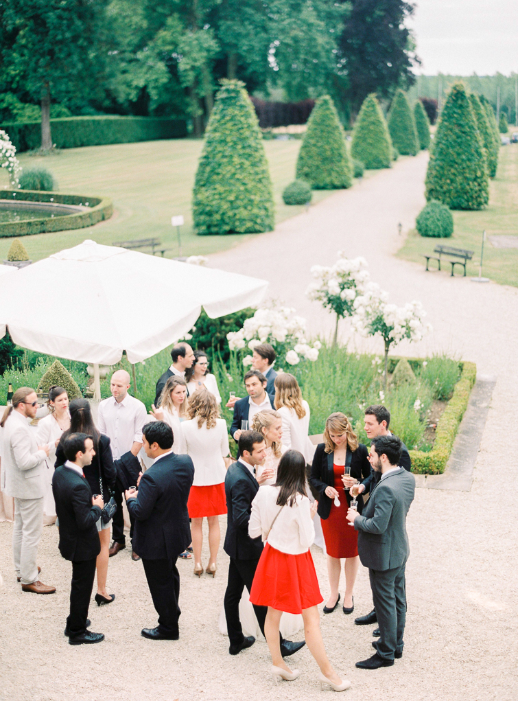Cocktail Empfang_hochzeitsfoto_fineart_kreativ_außergewoehnlich_stilvoll_kuenstlerisch_originell_ideen_inspiration_romantisch_bewegend_destination wedding_paris_chateau wedding_hochzeitsfotograf wien